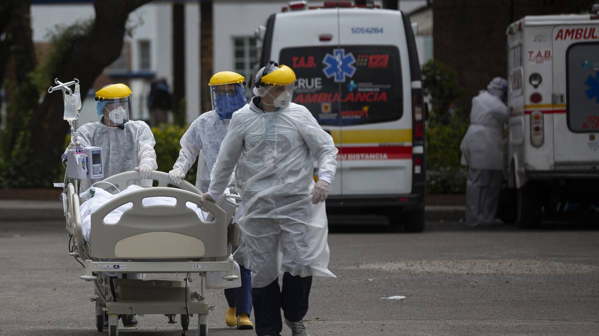 Coronavirus: Bogotá al borde de una crisis hospitalaria; British Airways prueba test de antígenos con resultados en 25 segundos