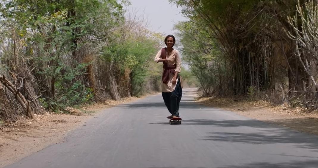 """El trailer de """"Staker Girl"""" nos lleva a una aventura adolescente, feminista y llena de skateboarding en la India"""