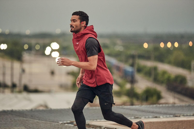 Escuchar música mientras corremos ayuda a combatir la fatiga deportiva, según estudio