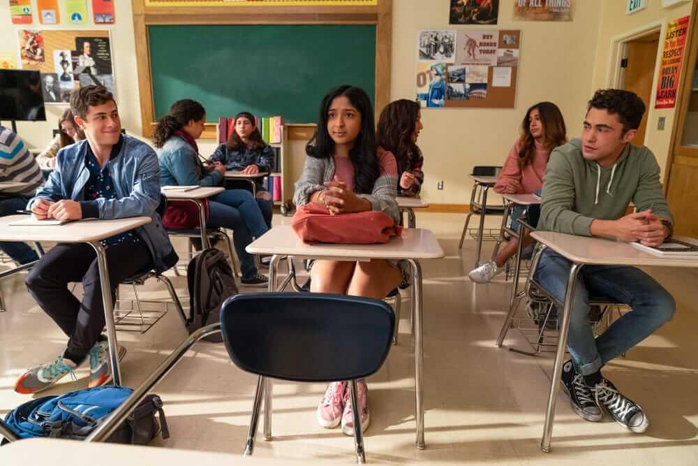 """La serie adolescente de Netflix, """"Never Have I Ever"""", estrena su nuevo trailer con un triángulo amoroso"""