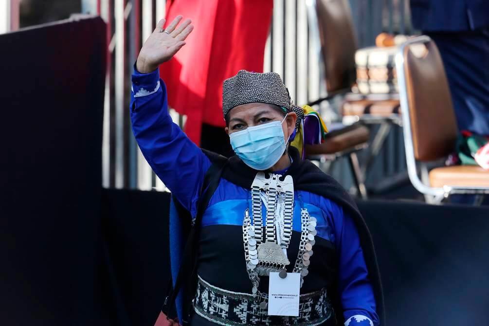 Conoce a Elisa Loncón, la académica mapuche elegida como la primera presidenta de la Convención Constituyente de Chile