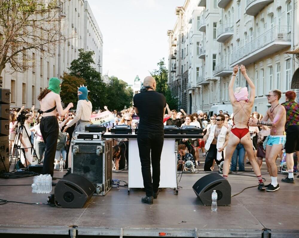 Así se vivió la rave en Ucrania. Fotografía: Lesha Berezovskiy/Dazed