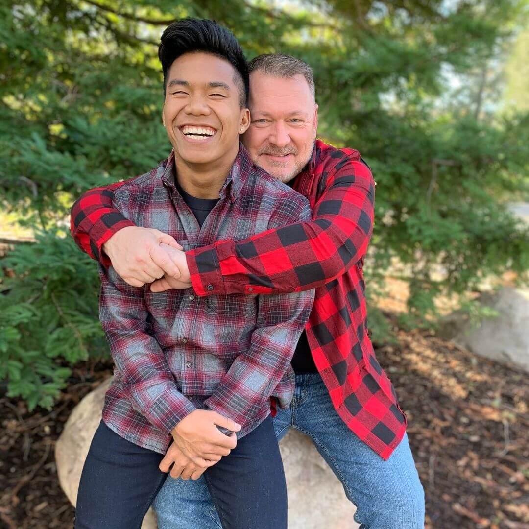 Así fue como un padre soltero y gay rescató a un huérfano camboyano que terminó llegando a los Juegos Olímpicos