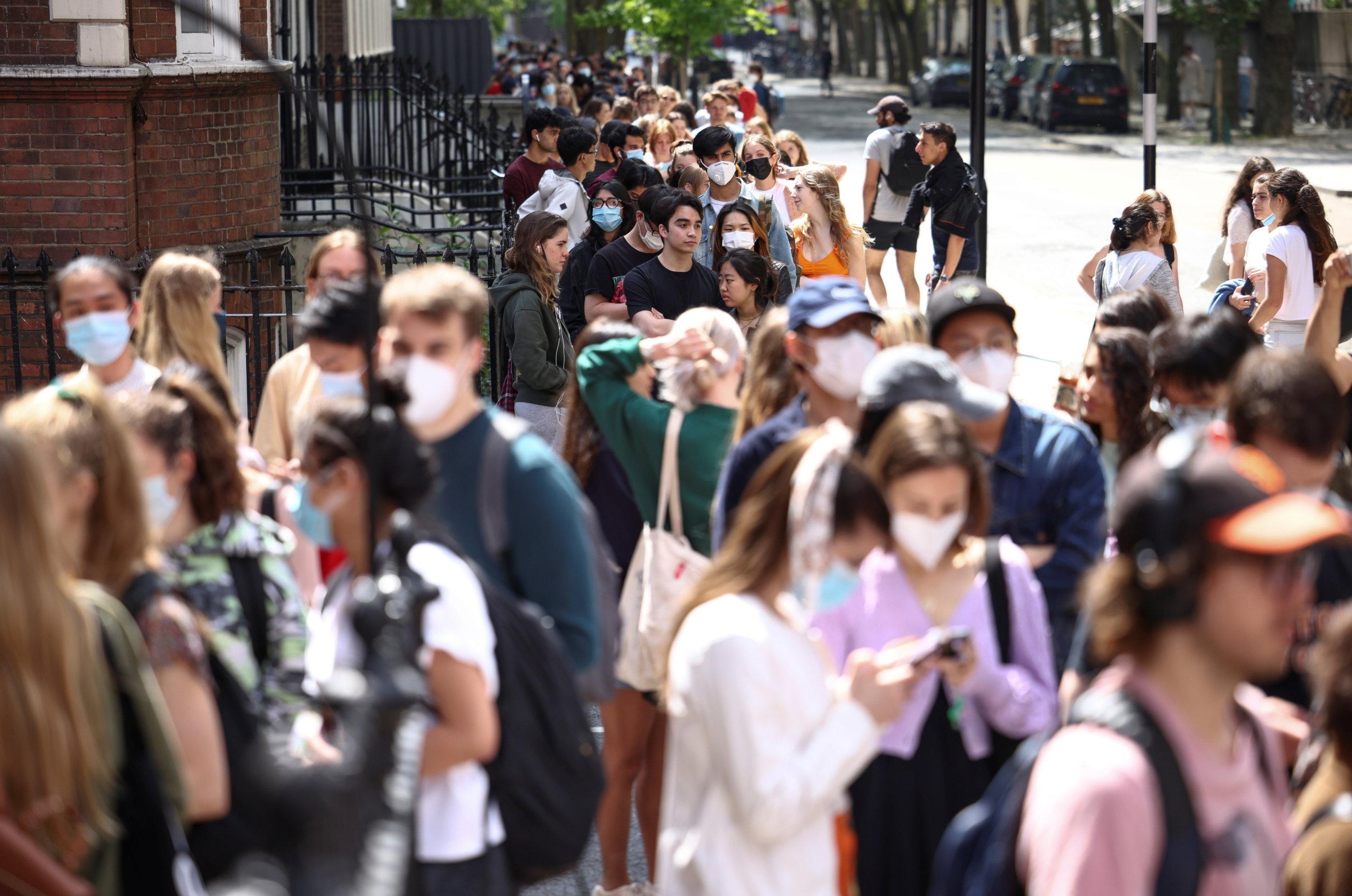 86% de los jóvenes cree que sus posibilidades de empleo y bienestar mental se han reducido con la pandemia, según estudio