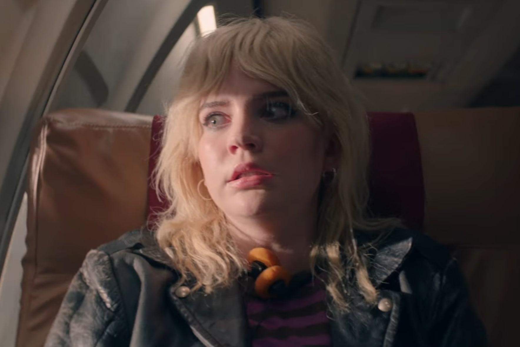 """""""Yellowjackets"""": La serie de terror psicológico de Showtime llega con un intenso trailer que incluye un accidente de avión y canibalismo"""