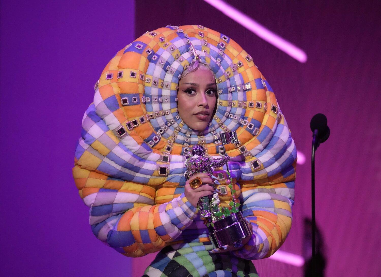 VMAs 2021: Los 13 mejores momentos de la ceremonia que celebró los 40 años de MTV