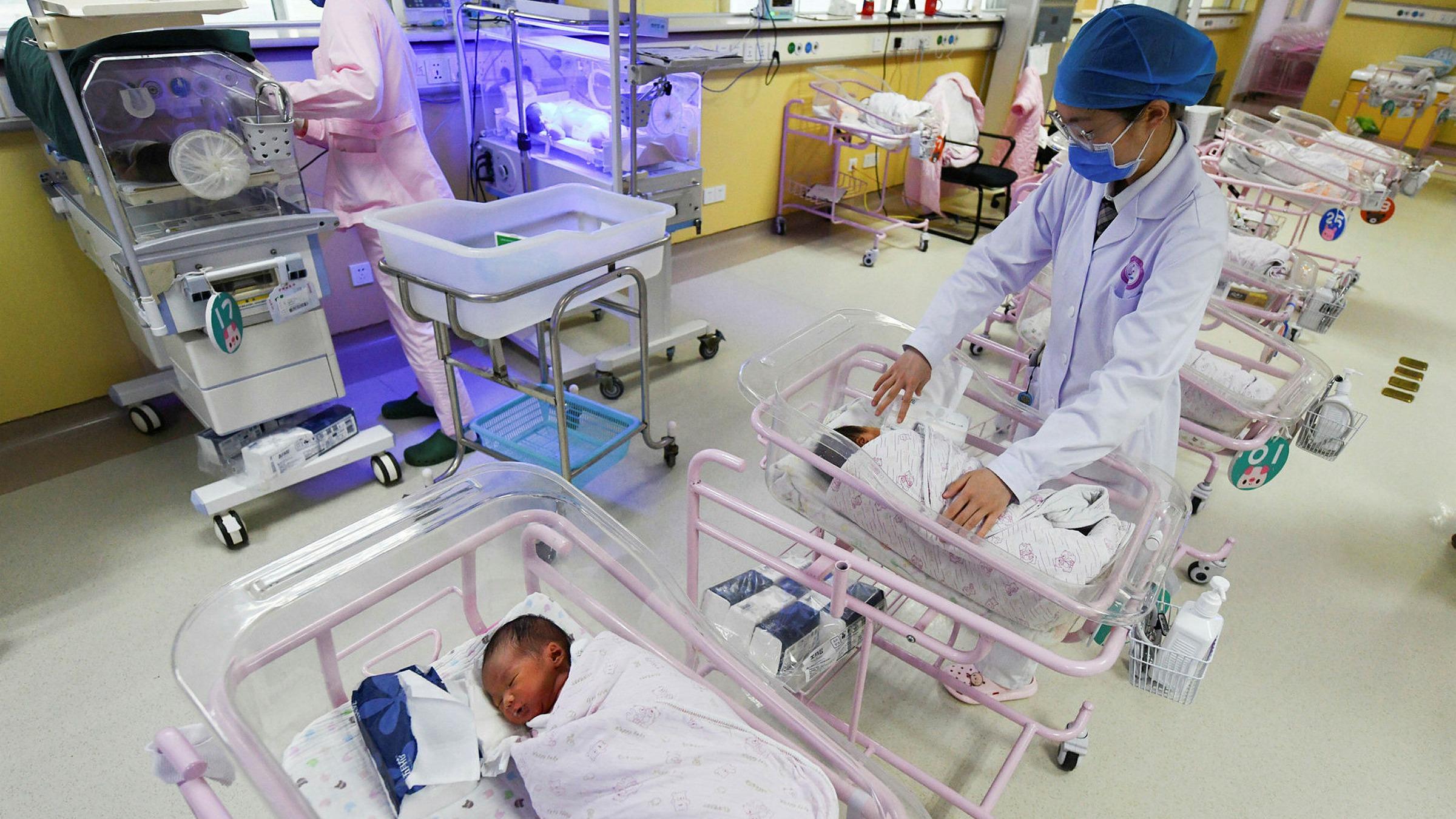 """China dice que reducirá los abortos sin """"necesidad médica"""""""