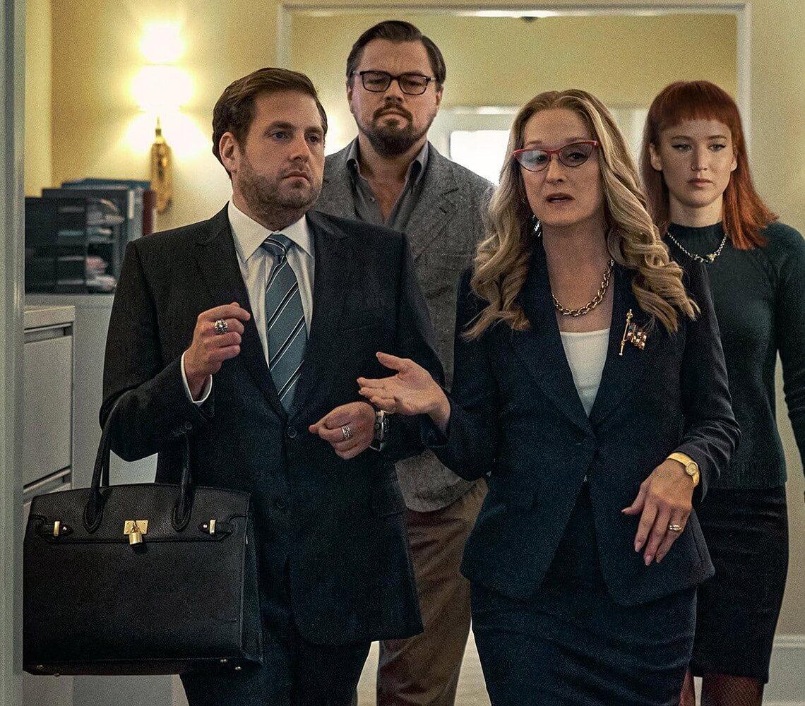 """""""Don't Look Up"""": Leonardo DiCaprio y Jennifer Lawrence intentan advertir a Jonah Hill del fin del mundo en la nueva película de Adam McKay"""