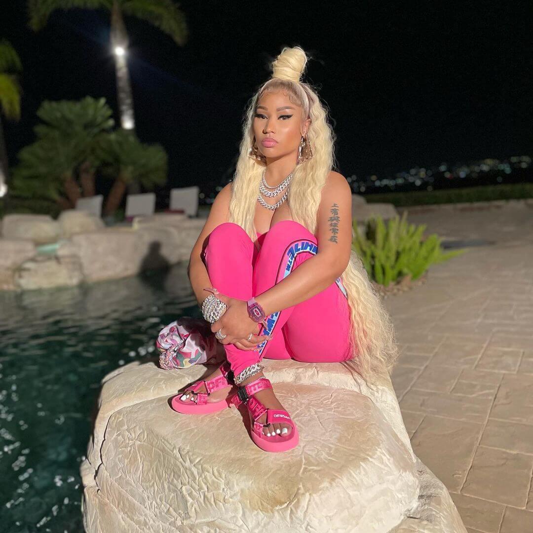 """Nicki Minaj dice que solo se vacunará cuando haya """"investigado lo suficiente"""""""