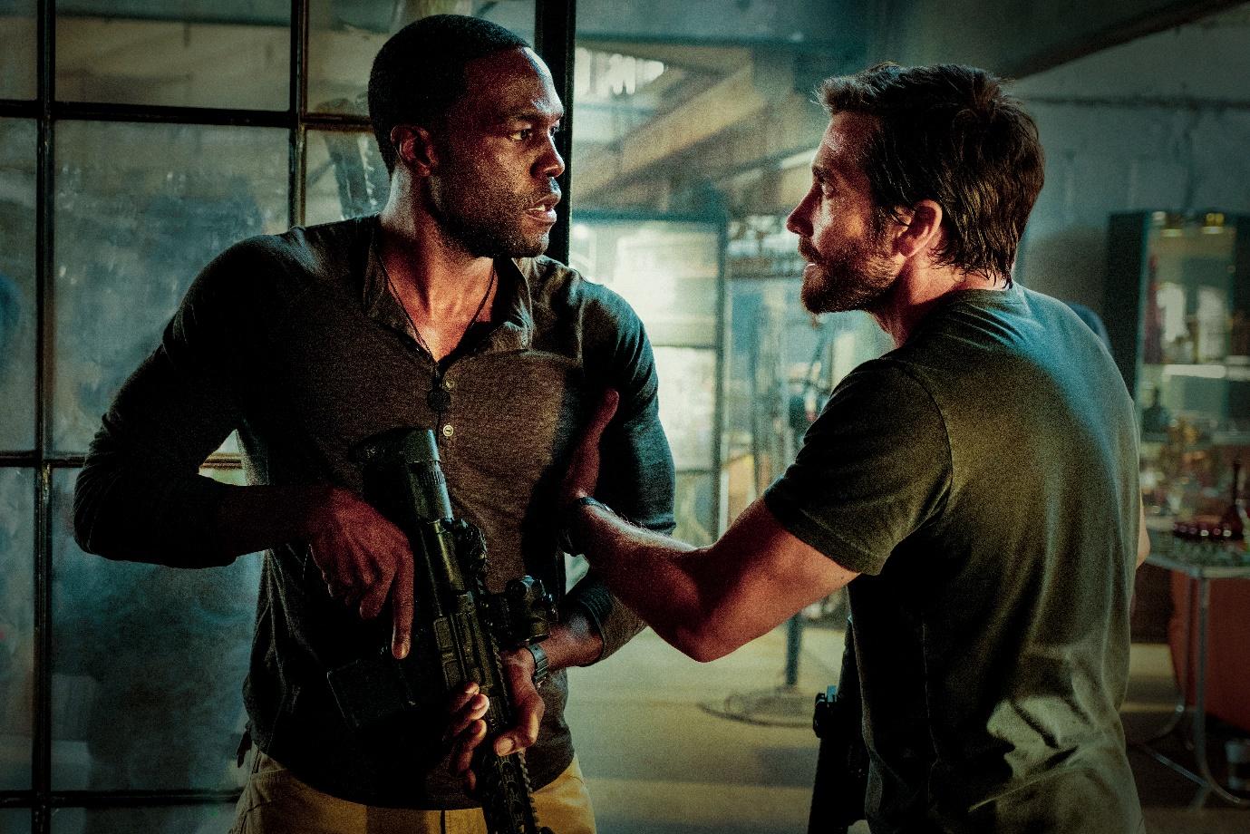 """El tráiler de """"Ambulance"""" de Michael Bay lleva a Jake Gyllenhaal por un viaje salvaje y violento"""