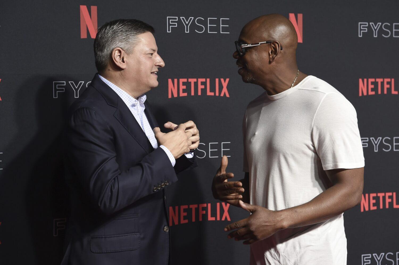 La dañina hipocresía de Netflix en la controversia anti-trans del especial de Dave Chappelle