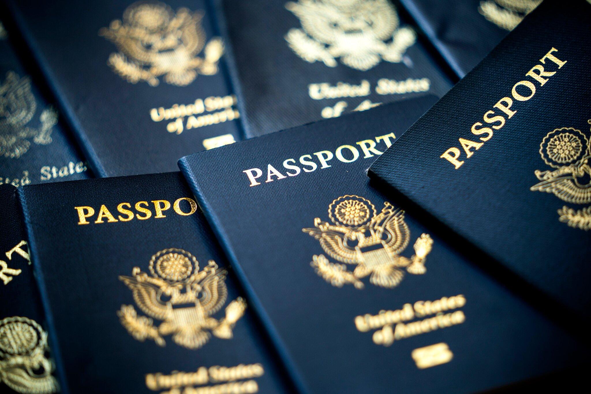 """Estados Unidos emite su primer pasaporte con designación de género """"X"""""""