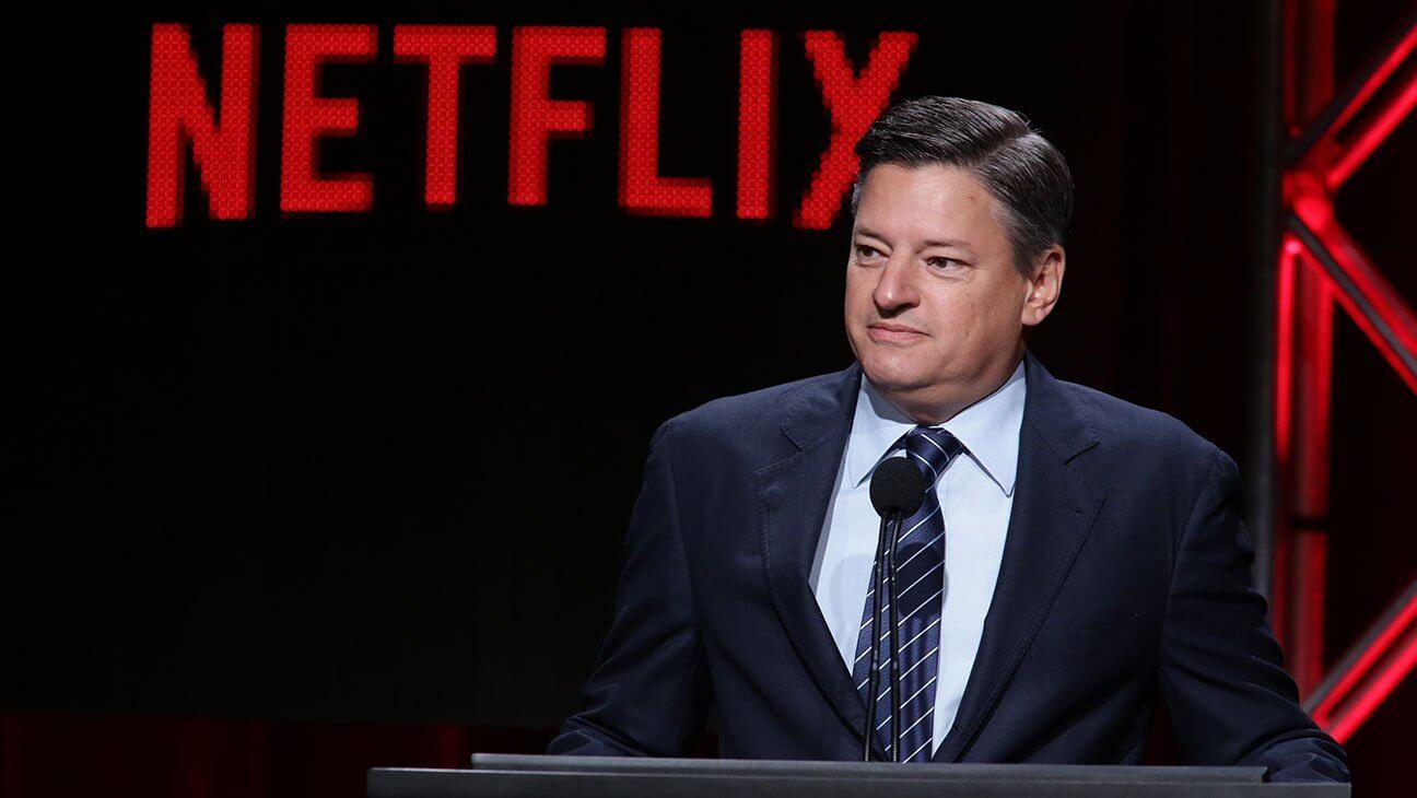 """Ted Sarandos de Netflix admite que """"arruinó todo"""" en sus comunicados sobre el especial de Dave Chappelle, aunque lo sigue defendiendo"""